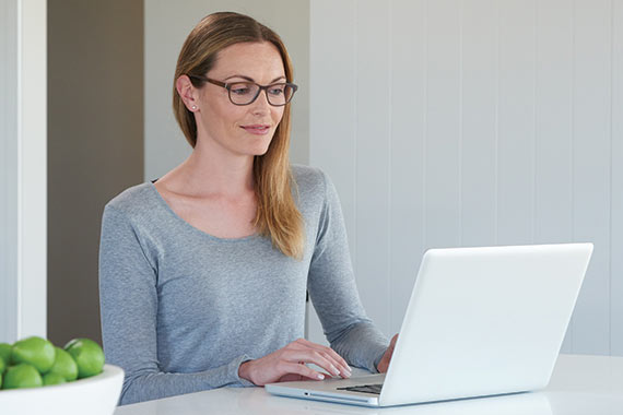 <p><strong>Near distance design</strong></p> <p>For wearers who mostly use their eyeglasses for indoors reading working on digital devices and watching TV.</p>